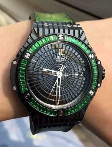 Replica Hublot Big Bang Caviar Watch